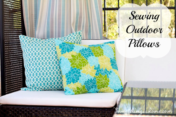 sewing outdoor pillows title