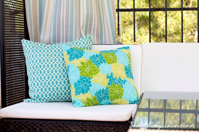 sewing outdoor pillows