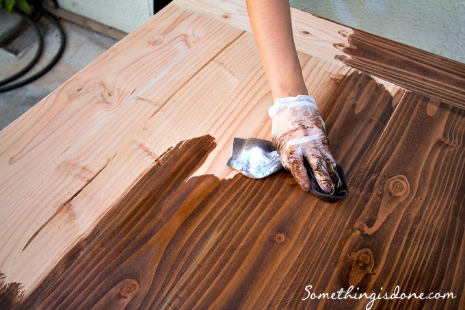 staining table