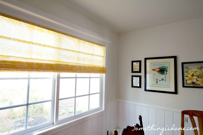 Diy roman shade from mini blinds and shower curtain for Roman shades for wide windows