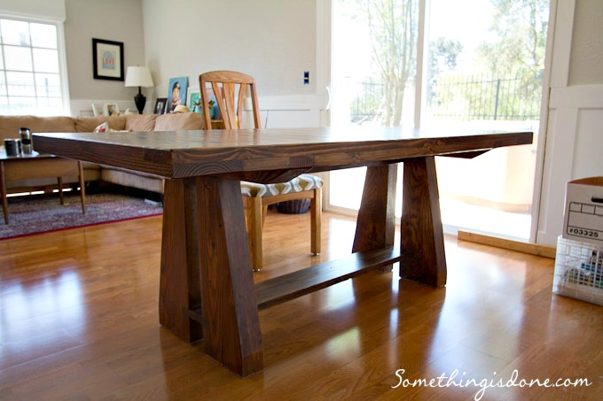 Diy rustic dining table for Rustic dining room table plans